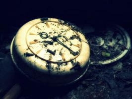 old clock by TheAliceGame