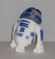 R2D2 Amigurumi Doll by Craftigurumi
