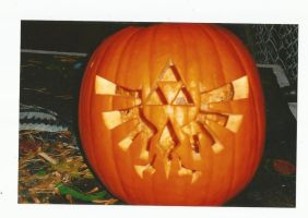 Triforce Pumpkin by thina420