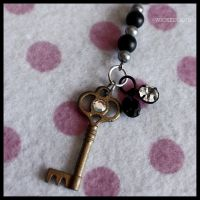 Key To WICKEDLAND Beaded Purse Charm by SugarAndSpiceDIY