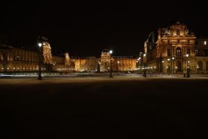 Louvre by Shluh