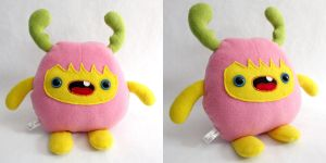 Moozi - Monchi Monster Plush by yumcha