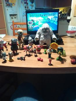 My PVZ figure collection by SuperSUfan