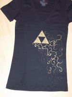 Triforce T-shirt by Sarinilli