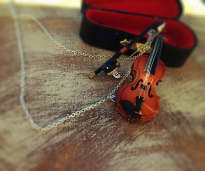 Violin Necklace by SteamPixy