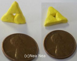 Triforce charm by ElectricDinoSaur
