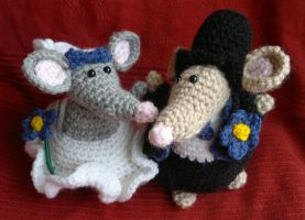 Wedding Mice Crochet Amigurumi by RuthNorbury