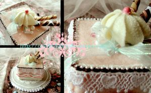 Sweet Grotesquery: Strawberry Cream Cake by CrookedAlice