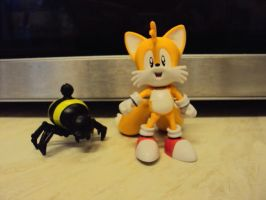 Tails And Badnik Figures by RedDevilDazzy2007