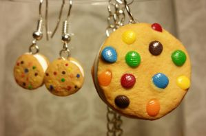 Rainbow Chocolate Chip Ice Cream Sandwich Necklace by ninja2of8