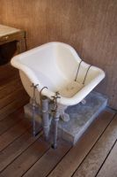 Victorian Bath by paintresseye
