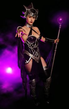 Evil-Lyn Masters of the Universe Sideshow Cosplay by NerdySiren