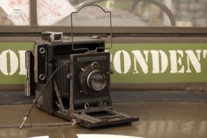 old photo camera by Gerlofsma