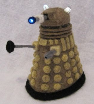Light-Up Needle-Felted Dalek by GlassCamel