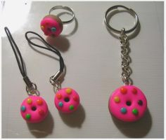 love pink donut set by yen-hm