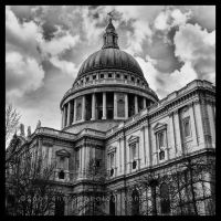 St. Paul's Cathedral b.f. BW by 4ndr3z