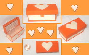 SaW Orange and Cream Toy Chest by Anzeo