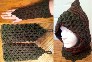 Crochet hood with matching gauntlets by Arexandria