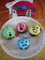 deviantART Emoticon Cupcakes by Jsaren