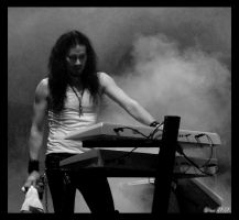 Tuomas Holopainen by knirket