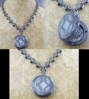 Scherzo locket by Pharewings