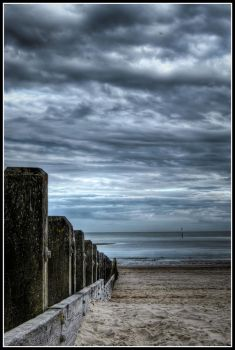 Littlehampton Beach 2 by killyourown