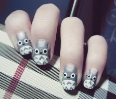Totoro Nails by cheniie