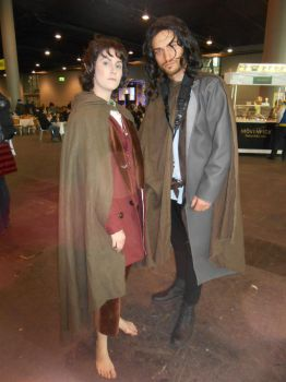 GCC Frankfurt 2017 cosplay: Frodo and ? by Lalottered