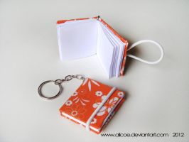 Mini Note Keychain Orange 4cmX3,5cm by alicoe