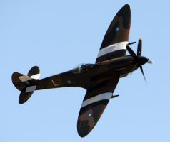 Supermarine Spitfire FR.XIV Flyby by shelbs2