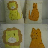 Kitty and Lion pillows by Zefiracks