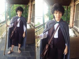 Frodo Baggins Cosplay by khall47