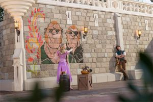 Disney's Tangled Rapunzel paints Stabbington Bros by cdpetee
