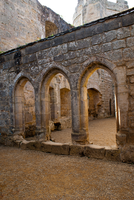 DSC00325 Bodiam Arches by wintersmagicstock