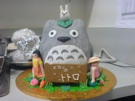 Totoro Cake by Lil3h