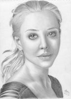 Amanda Seyfried by SabinasArts