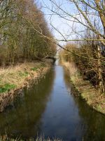 staight away canal by schaduwvacht
