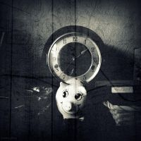 Untitled Clock 2 by lostknightkg