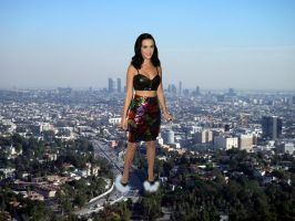 Giantess Katy Perry In LA by jjuenger