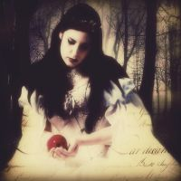Snow White by Bohemiart