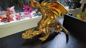 Magnetic Golden Dragon by AstridMakosla
