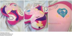 Cadence Heart Pillow by PrinceOfRage