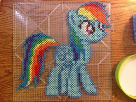 {Perler} Rainbow Dash by OddishCrafts