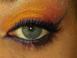 Orange-Red Eye Make-up by vivalablonde