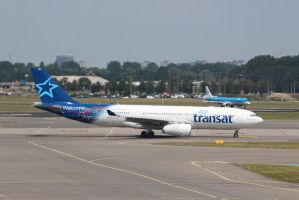 air transat C-GTSZ by damenster