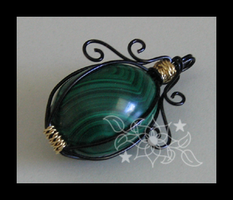 Malachite Swirl by mnemosynestar