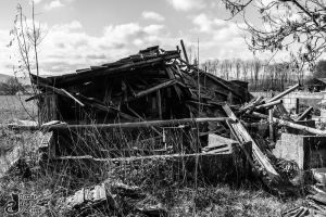 Urbex: Even the witch left by BazarDeLaNature
