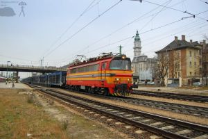 240 135-4 with a freight in Gyor station by morpheus880223