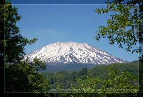Mount Saint Helens by theperfectlestat