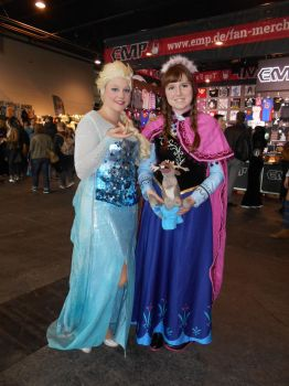 GCC Frankfurt 2017 cosplay: Anna and Elsa by Lalottered